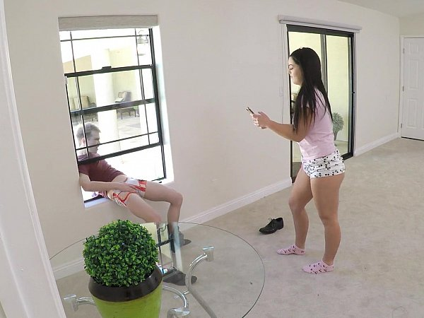 Hot Latin Sister Loves To Fuck Stepbrother's Big Dick